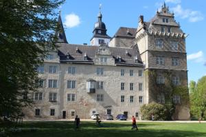 Wolfsburger-Schloss-525x350